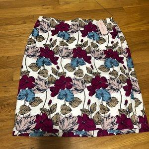 Beautiful floral Ann Taylor pencil skirt. Petite